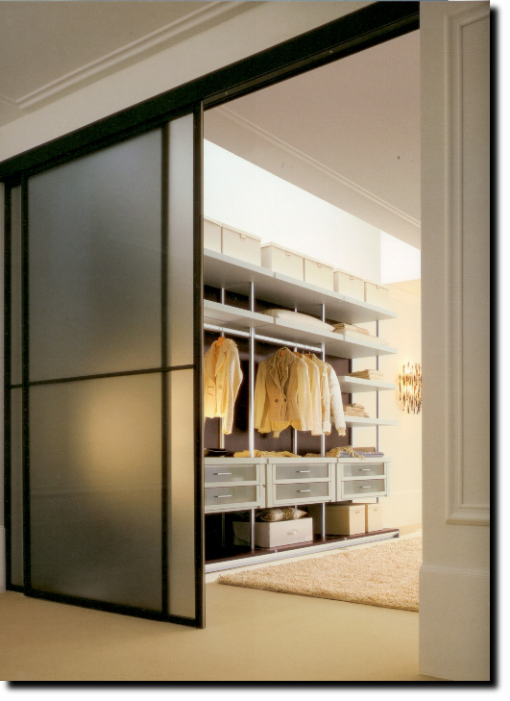 Cabine armadio con ante scorrevoli a soffitto epicentro for Porte scorrevoli per cabine armadio
